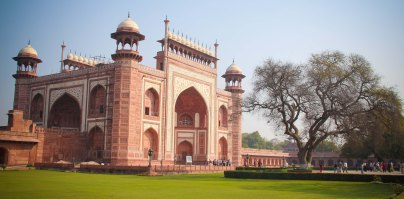 The Great Gate: Darwaza-i rauza